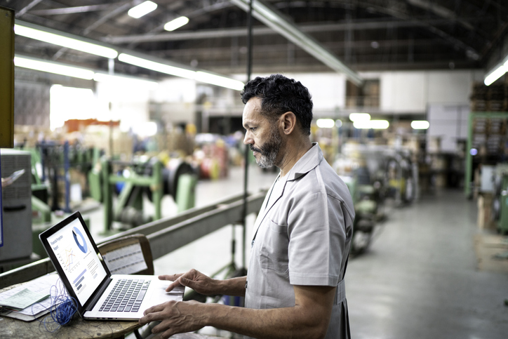 Online banking tools to make your manufacturing cash flow lean and efficient